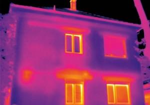 Bina izolasyonsuz temel ve izolasyonlu üst yapı arasındaki kayıp ısı farkı